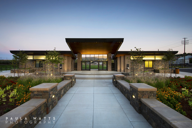 Oregon exterior commercial architectural photographer