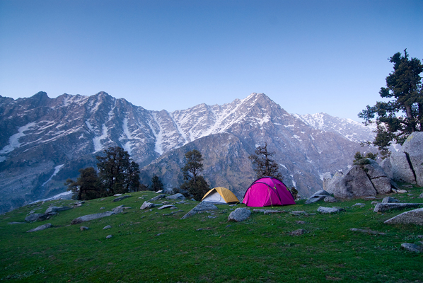 hiking_camping_himalayan_mountains