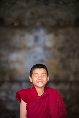 young_tibetan_monk_in_india