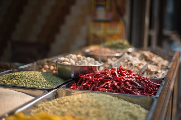 delhi india spice market travel photographer